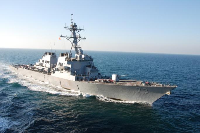 Tàu khu trục mang tên lửa dẫn đường USS Decatur - Ảnh: US Navy