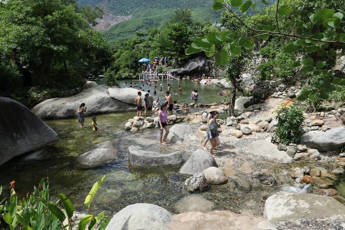 Gần 8000 giáo viên và học sinh của TP Đà Nẵng sẽ được tham quan miễn phí công viên suối khoáng nóng Núi Thần Tài