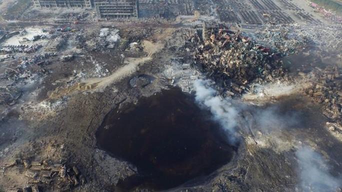 Khung cảnh tan hoang sau vụ nổ ở TP Thiên Tân. Ảnh: EPA