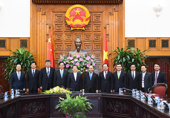 Thủ tướng Nguyễn Xuân Phúc chụp ảnh lưu niệm với Bộ trưởng Công an Trung Quốc Quách Thanh Côn