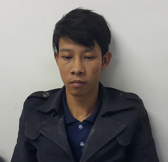 Nguyễn Bá Hưng tại cơ quan công an