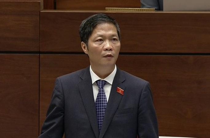 Bộ trưởng Công Thương Trần Tuấn Anh trả lời chất vấn của đại biểu QH