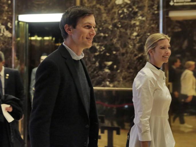 Cô Ivanka Trump và chồng, anh Jared Kushner. Ảnh: AP