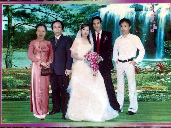 Bức ảnh cưới con gái có mặt ông Hàn Đức Long... do ghép photoshop
