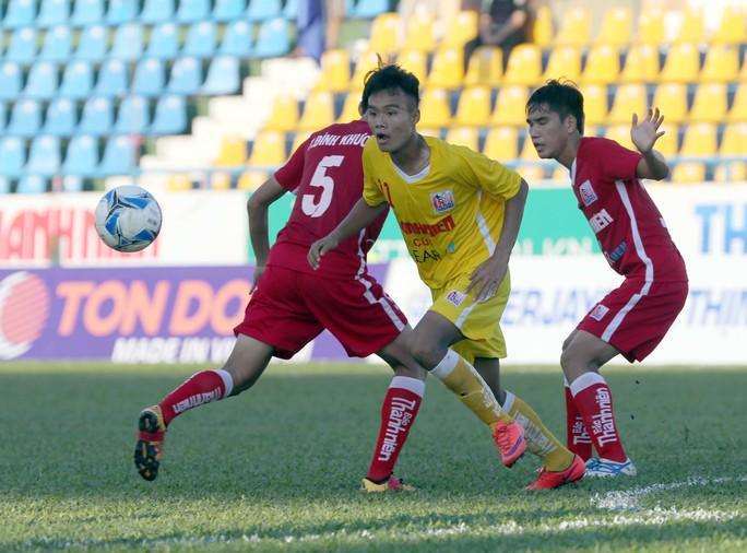 U21 Hà Nội T&T (giữa) sớm giành vé vào bán kết Ảnh: Quang Liêm