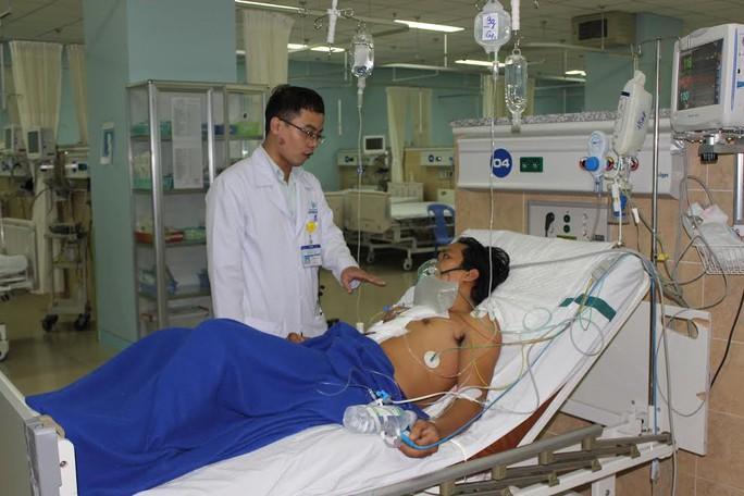 Bệnh nhân bị đâm thủng tim 2 cm hiện sức khỏe đang dần hồi phục, trong tuần tới có thể ra viện