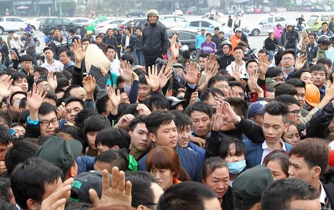Nghẹt thở săn vé bán kết Việt Nam - Indonesia