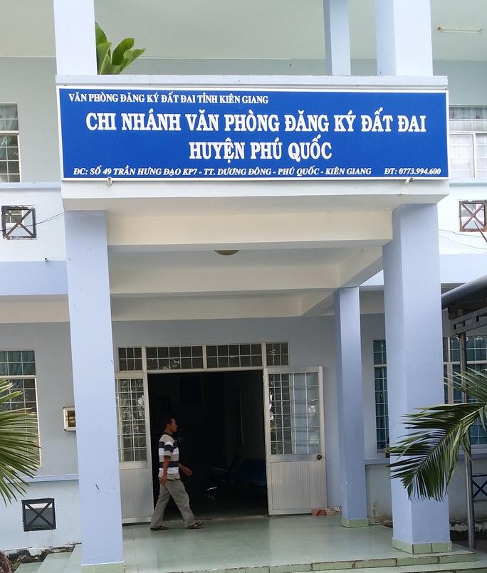 Văn phòng ĐKĐĐ huyện Phú Quốc-nơi bà Ánh làm kế toán trưởng. Ảnh: CTV