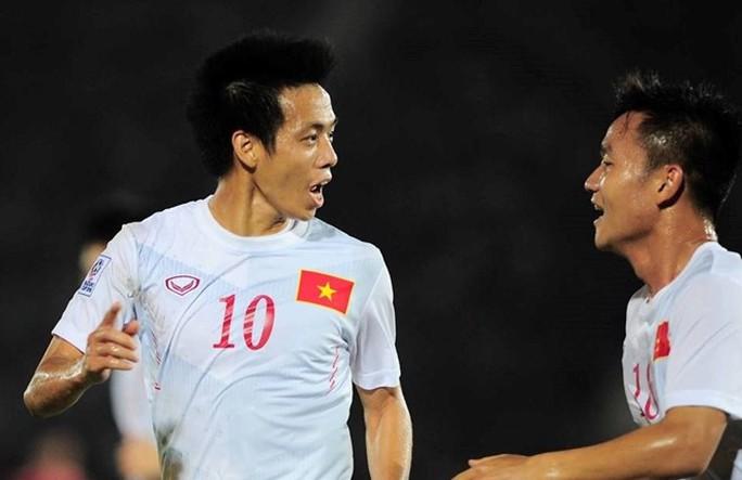Văn Quyết gỡ hòa 1-1 cho tuyển Việt Nam