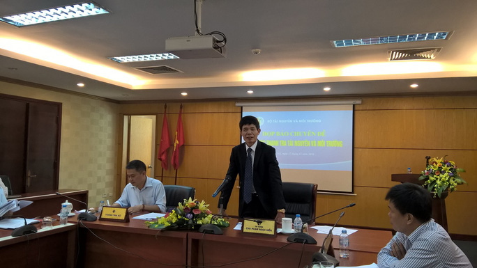 Thứ trưởng Chu Phạm Ngọc Hiển chủ trì họp báo ngày 17-11