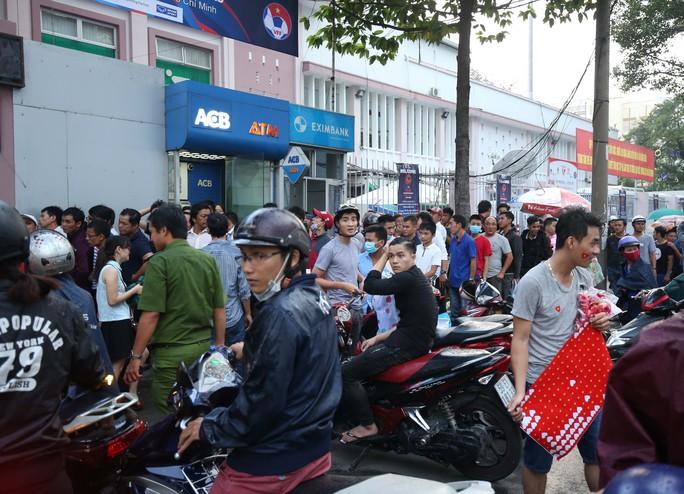 Nhiều vé giả trước trận U23 Việt Nam - U23 Hàn Quốc - Ảnh 9.