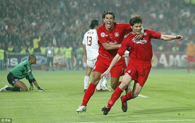 Alonso được người hâm mộ Việt Nam nhớ đến nhiều nhất trong màu áo Liverpool