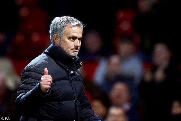 Mourinho được người tiền nhiệm đánh giá cao