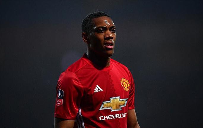Arsenal muốn giải cứu Martial - Ảnh 1.