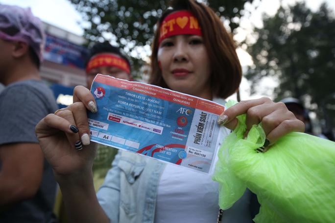 Nhiều vé giả trước trận U23 Việt Nam - U23 Hàn Quốc - Ảnh 6.