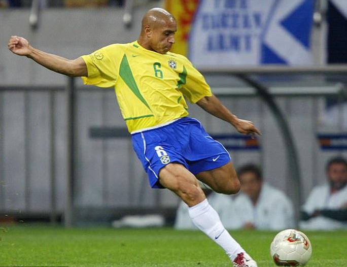 Roberto Carlos bị cáo buộc dùng doping ở World Cup 2002 - Ảnh 2.