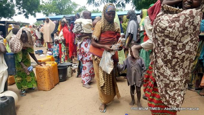 Phụ nữ ở lưu vực hồ Chad phải bán dâm để sống qua ngày. Ảnh: PREMIUM TIMES