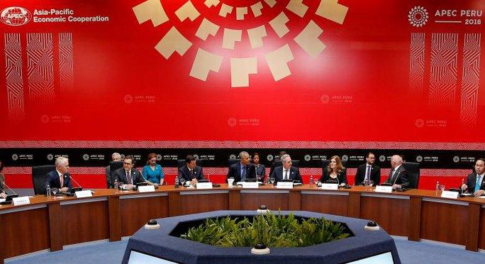 Tổng thống Obama chủ trì cuộc họp với các nhà lãnh đạo TPP ở Peru ngày 19-11-2016. Ảnh: REUTERS