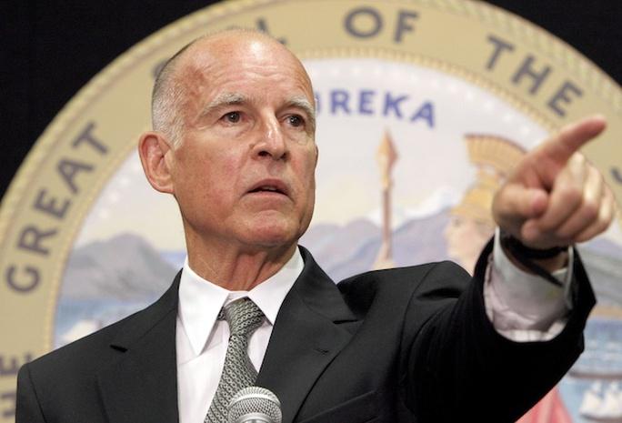 Thống đốc bang California Jerry Brown. Ảnh: PVP DEMOCRATS