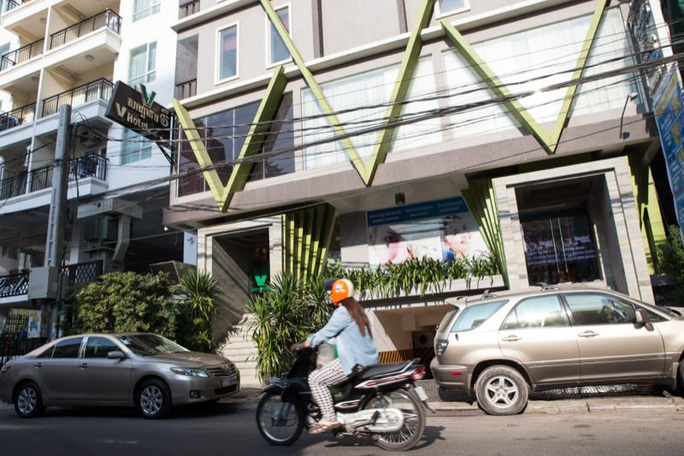Khách sạn V Hotel Phnom Penh. Ảnh: THE CAMBODIA DAILY