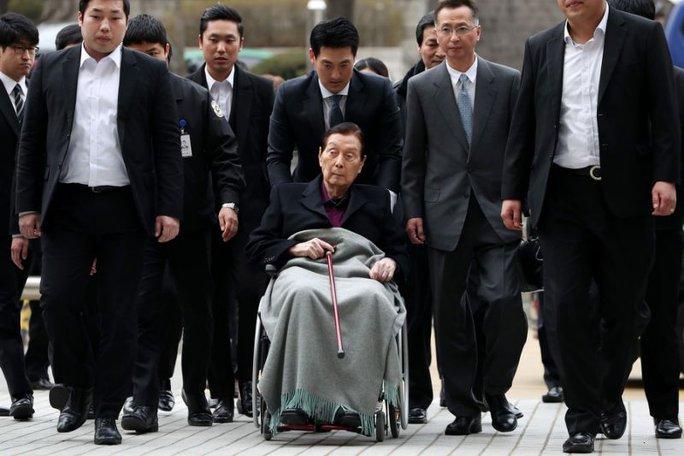 Người sáng lập tập đoàn Lotte Shin Kyuk-ho. Ảnh: BLOOMBERG