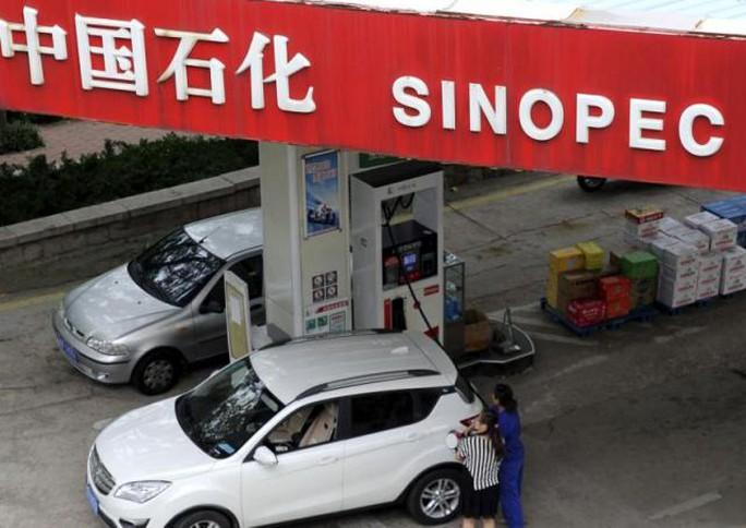 Một cửa hàng xăng dầu của Sinopec. Ảnh: REUTERS
