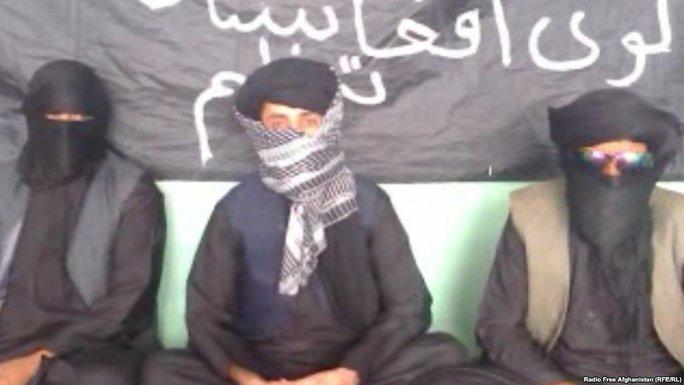 Thành viên Tổ chức Hồi giáo Đại Afghanistan tuyên bố trung thành với IS. Ảnh: AP