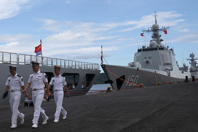 Tàu khu trục tên lửa dẫn đường Chang Chun (DDG150) là một trong ba tàu đến thăm Philippines. Ảnh: REUTERS