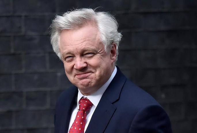 Bộ trưởng phụ trách vấn đề Brexit của Anh David Davis. Ảnh: REUTERS