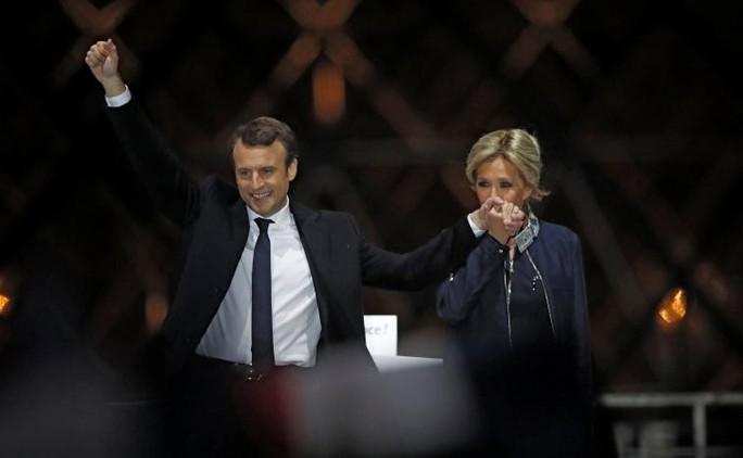 Ông Macron thắng cử tổng thống Pháp - Ảnh 1.