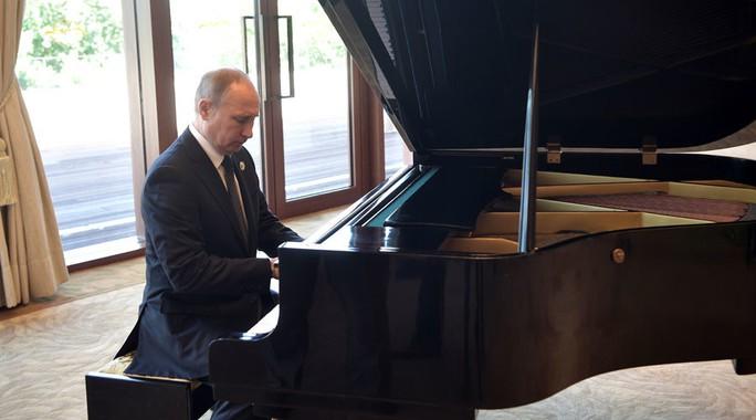 Ông Putin chưa biết chọn điệu nhạc nào dành cho ông Trump - Ảnh 1.