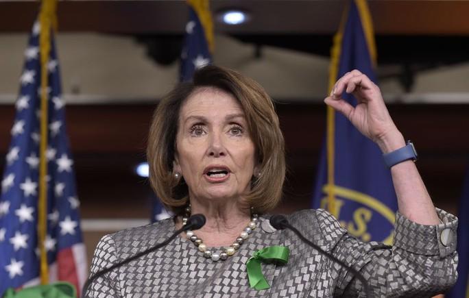 Lãnh đạo đảng Dân chủ không ủng hộ luận tội ông Trump - Ảnh 1.