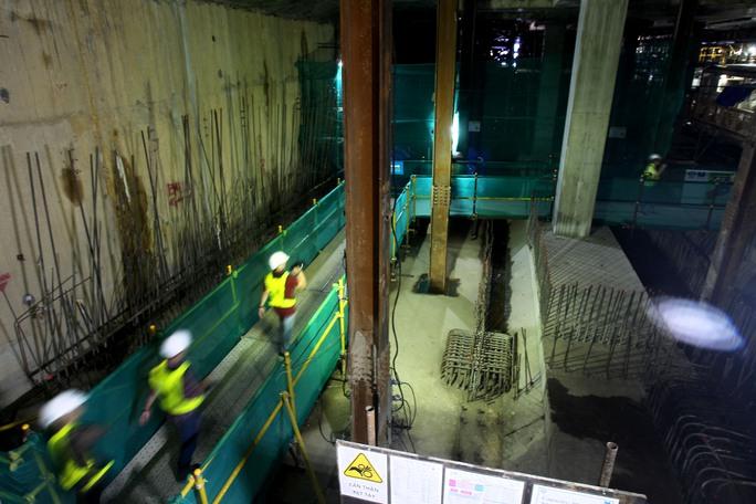 Cận cảnh robot khủng khoan hầm metro số 1 - Ảnh 3.
