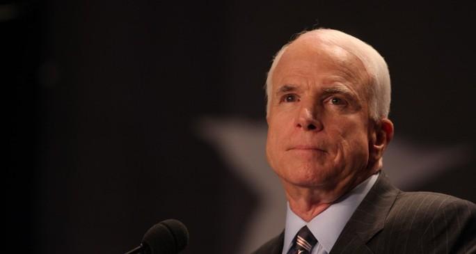 """Ông Putin thổ lộ cảm tình với nghị sĩ Mỹ luôn chống đối Nga"""" - Ảnh 1."""