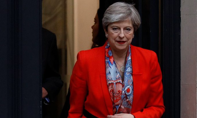 Thủ tướng Anh tiên hạ thủ vi cường - Ảnh 1.