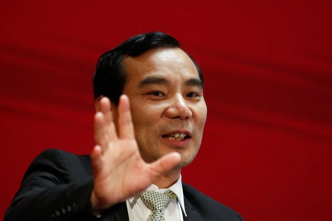 Trung Quốc bắt giam đại gia mua sắm điên cuồng ở nước ngoài - Ảnh 1.