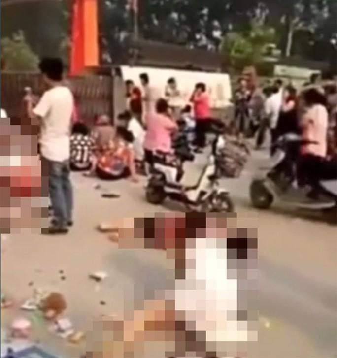 Trung Quốc: Nổ tại nhà trẻ, 66 người thương vong - Ảnh 1.