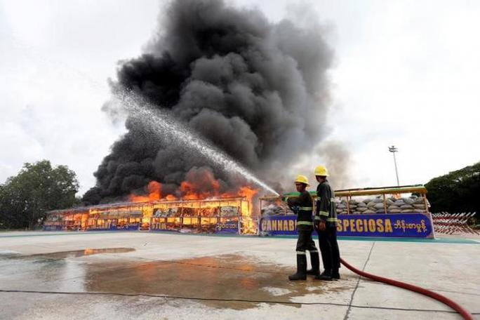 Trong 1 ngày, Đông Nam Á tiêu hủy gần 1 tỉ USD ma túy - Ảnh 2.