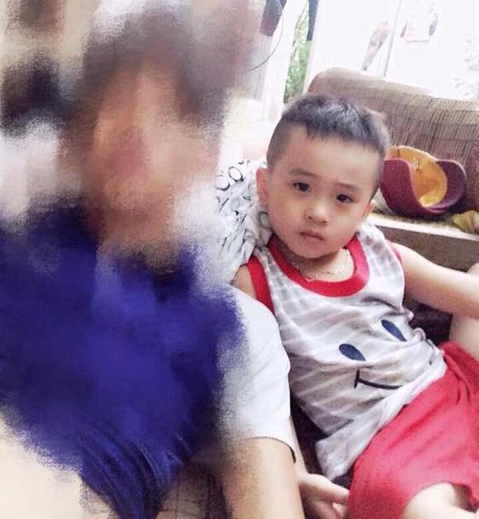Cháu bé trai 6 tuổi mất tích nghi bị 2 người phụ nữ bắt cóc - Ảnh 1.