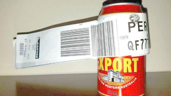 Hy hữu khách lên máy bay chỉ ký gửi... 1 lon bia - Ảnh 1.