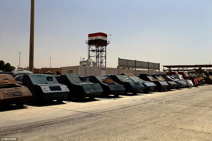 """Iraq: Tham quan """"nghĩa địa"""" xe đánh bom tự sát của IS - Ảnh 1."""