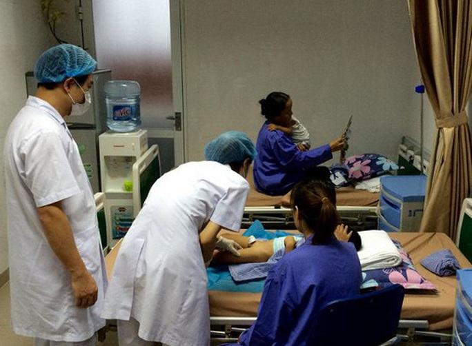 Khởi tố vụ án gần 80 trẻ em bị sùi mào gà ở Hưng Yên - Ảnh 1.