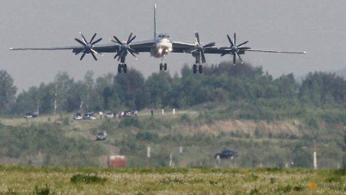 Máy bay Nhật xuất kích khẩn cấp vì máy bay Nga - Ảnh 1.