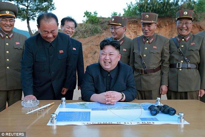 """Triều Tiên dọa """"chôn Mỹ dưới nước"""" - Ảnh 1."""