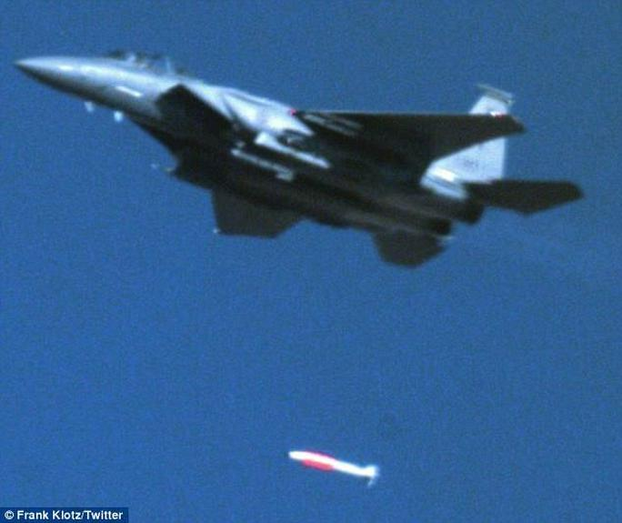 """Mỹ thử """"bom hạt nhân nguy hiểm nhất từng được chế tạo"""" - Ảnh 1."""