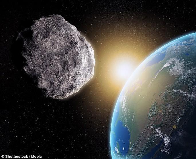 Tiểu hành tinh quái vật sắp lướt qua trái đất - Ảnh 1.