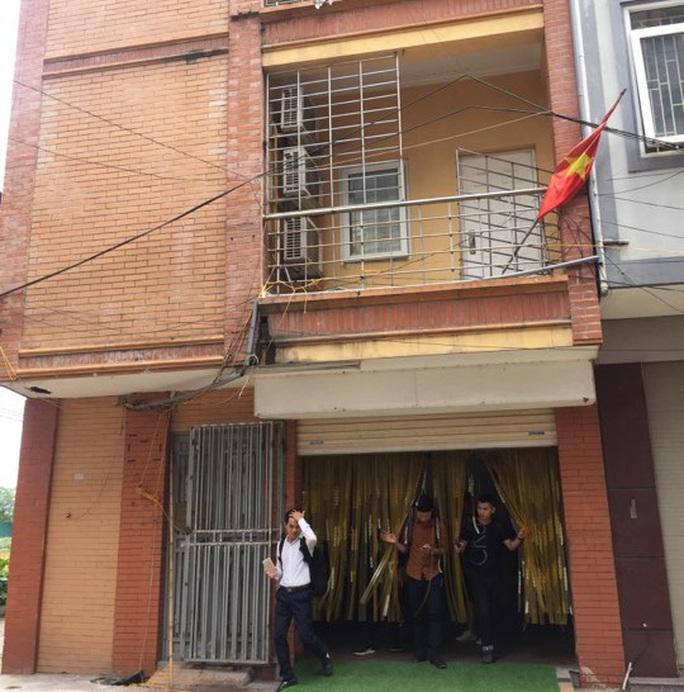 3 mẹ con tử vong bất thường trong nhà nghỉ ở Hà Nội - Ảnh 1.