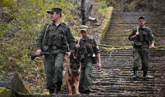 Nga, Trung Quốc tăng cường an ninh dọc biên giới Triều Tiên - Ảnh 3.
