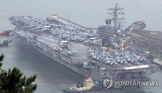 Phớt lờ Triều Tiên, 40 tàu Mỹ - Hàn tập trận rầm rộ - Ảnh 1.