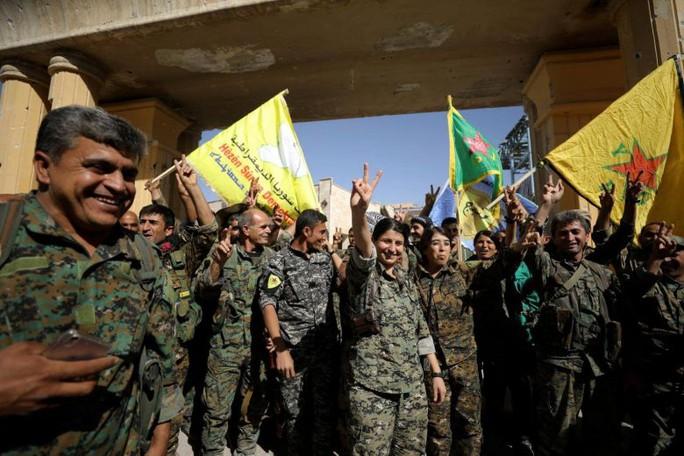 """IS để mất """"thủ đô"""" ở Syria - Ảnh 1."""